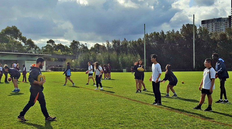 Students get active at SALSA Standing Tall leadership day with the GWS Giants.