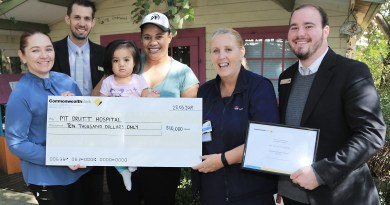 Mount Druitt Hospital receives cheque from Commonwealth Bank