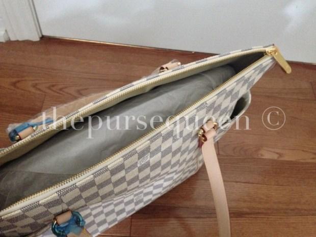 louis-vuitton-replica-totally-gm-damier-azur-inside-bag