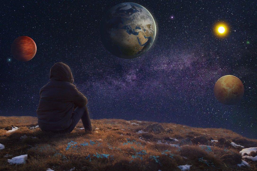 Orbiting Planets in Solar System