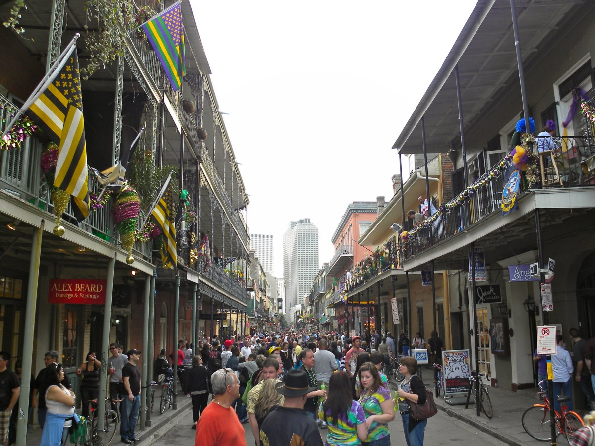 """""""No cars in the Quarter"""": Mayor Cantrell sends team to research turning French Quarter into pedestrian mall"""