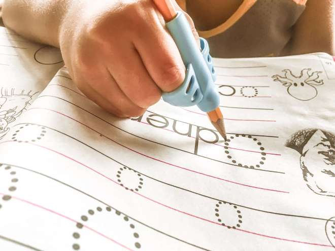 this cool writing tool helps little kids how to write properly with the use of a pencil