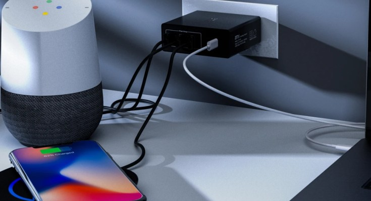 amxindia XP60 PD Charger multi-device charging