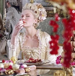Marie eats cake