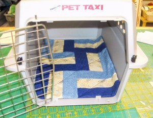 small quilts, kennel quilts