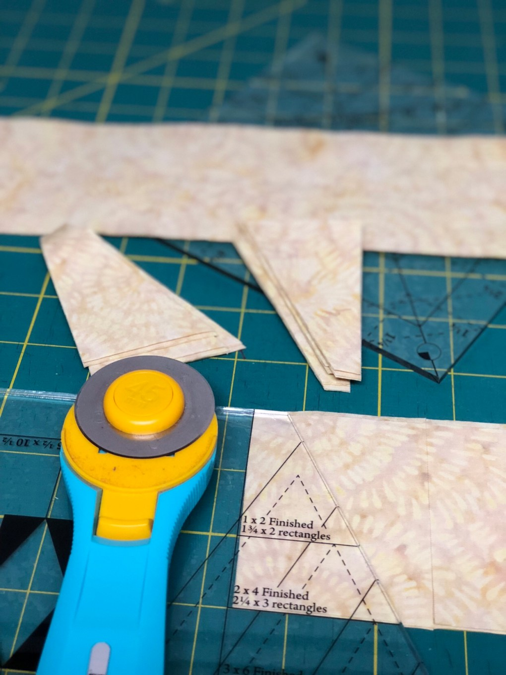 cutting fabric rectangles with diamond rects tool