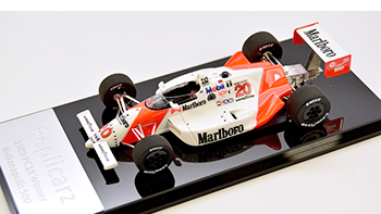 Replicarz Fittipaldi Penske PC18 on its base