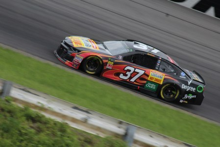 Chris Buescher races during the 2018 Pocono 400. (Tyler Head | The Racing Experts)