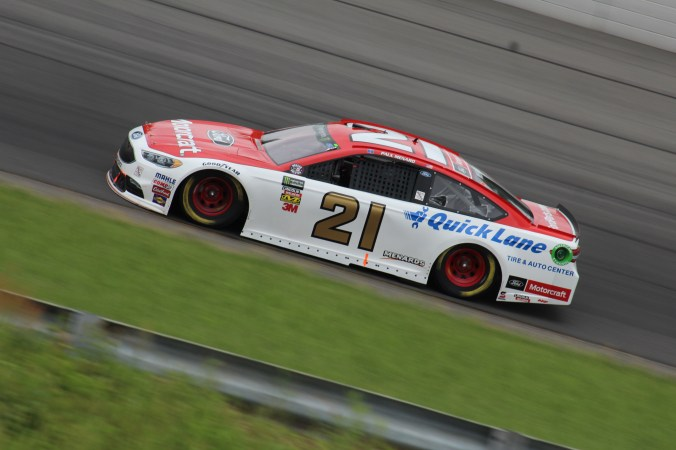 Paul Menard races during the 2018 Pocono 400. (Tyler Head | The Racing Experts)