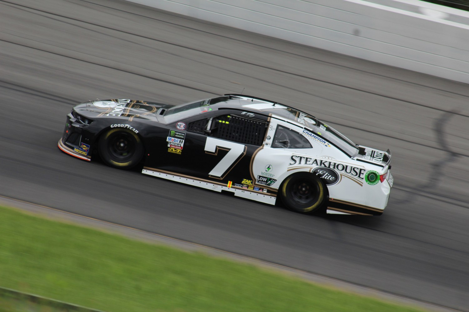 JJ Yeley races during the 2018 Pocono 400. (Tyler Head | The Racing Experts)