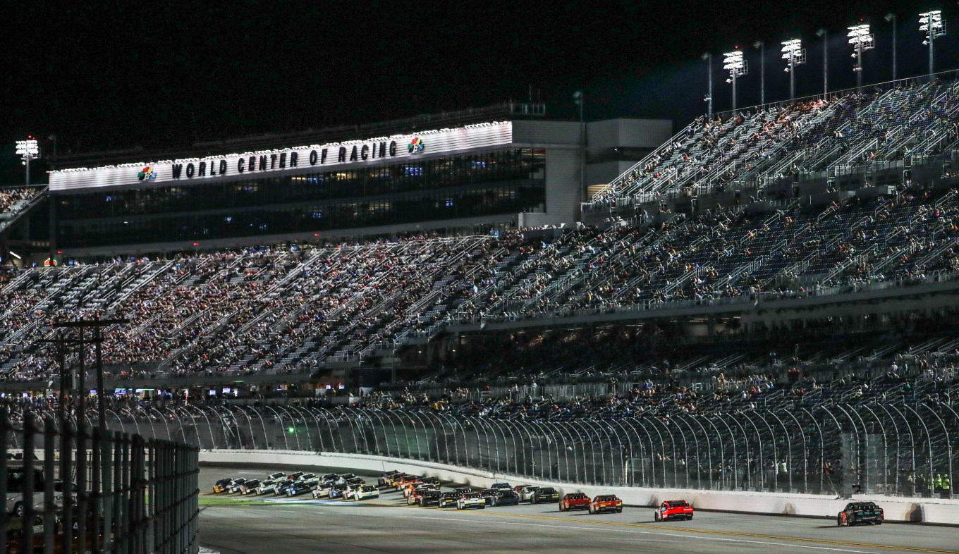 Daytona wide shot
