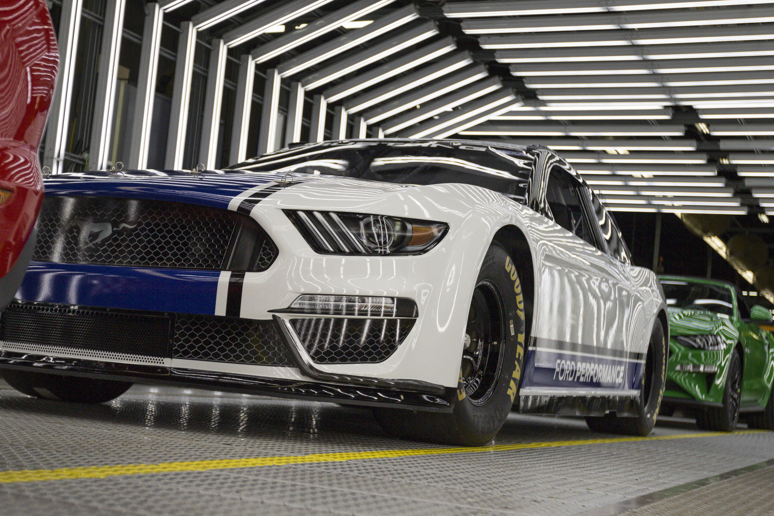 PHOTOS Ford Mustang Cup Series car – The Racing Experts