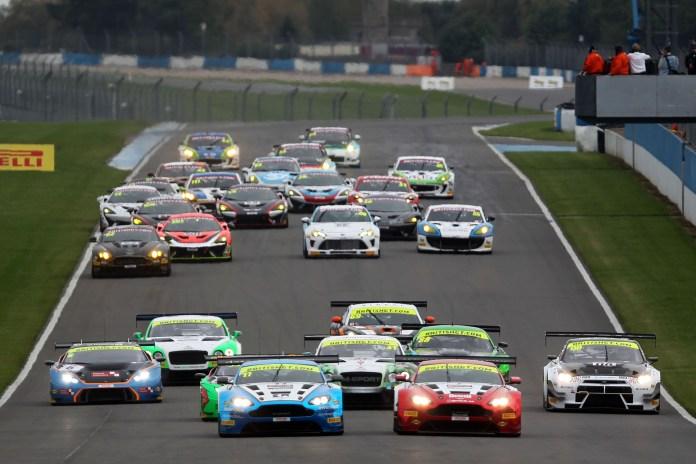 Donington Race start British GT