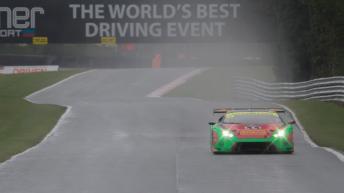 bgt2017_round1_race1_barwell_33_lamborghini_01