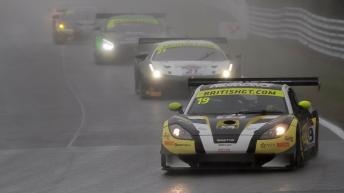 bgt2017_round1_race1_centurymotorsport_19_ginetta_01