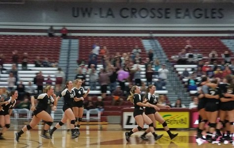 Eagles Sweep #9 Ranked UW Whitewater