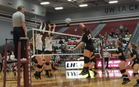 Eagles Volleyball Advances to WIAC Final