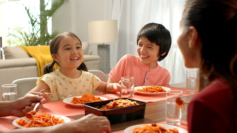 Make Bonding Moments More Sweet-Sarap With Jolly Spaghetti