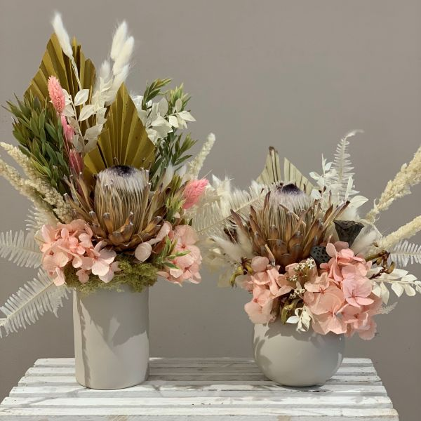 Everlasting Arrangements with dried and preserved flowers