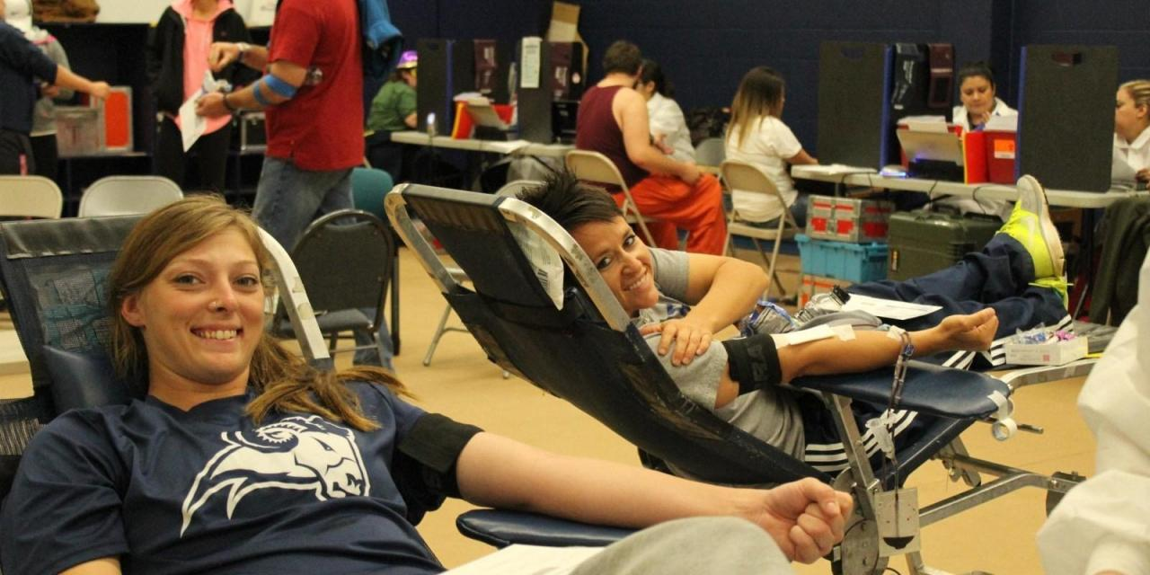 Students donate blood to help instructor's daughter