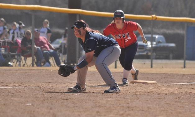 Softball team looks to veteran leaders