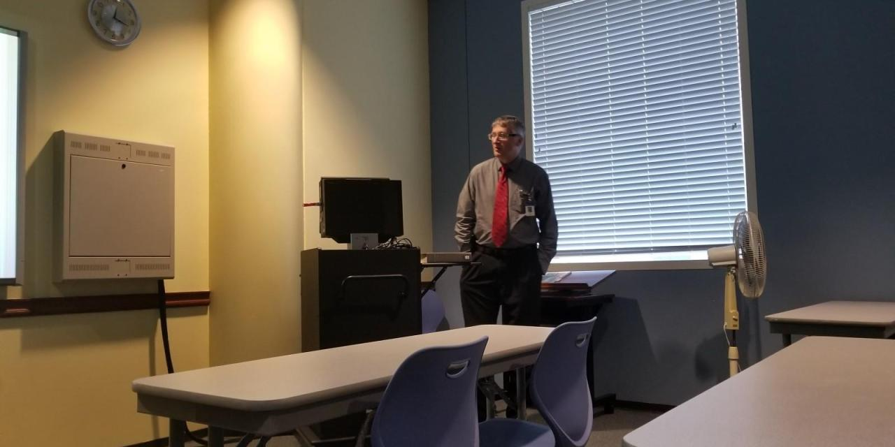 Lecture gives insight into Oklahoma history