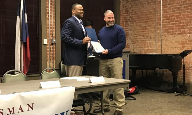 Veasey hosts Veterans Town Hall at Wesleyan