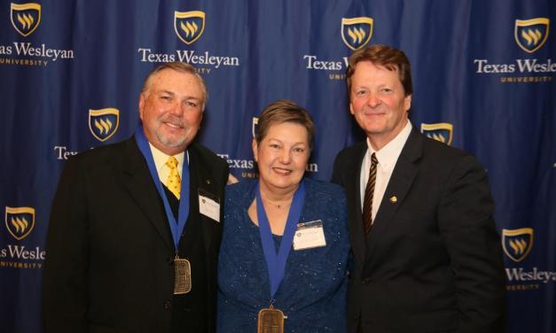 Awards dinner honors alumni