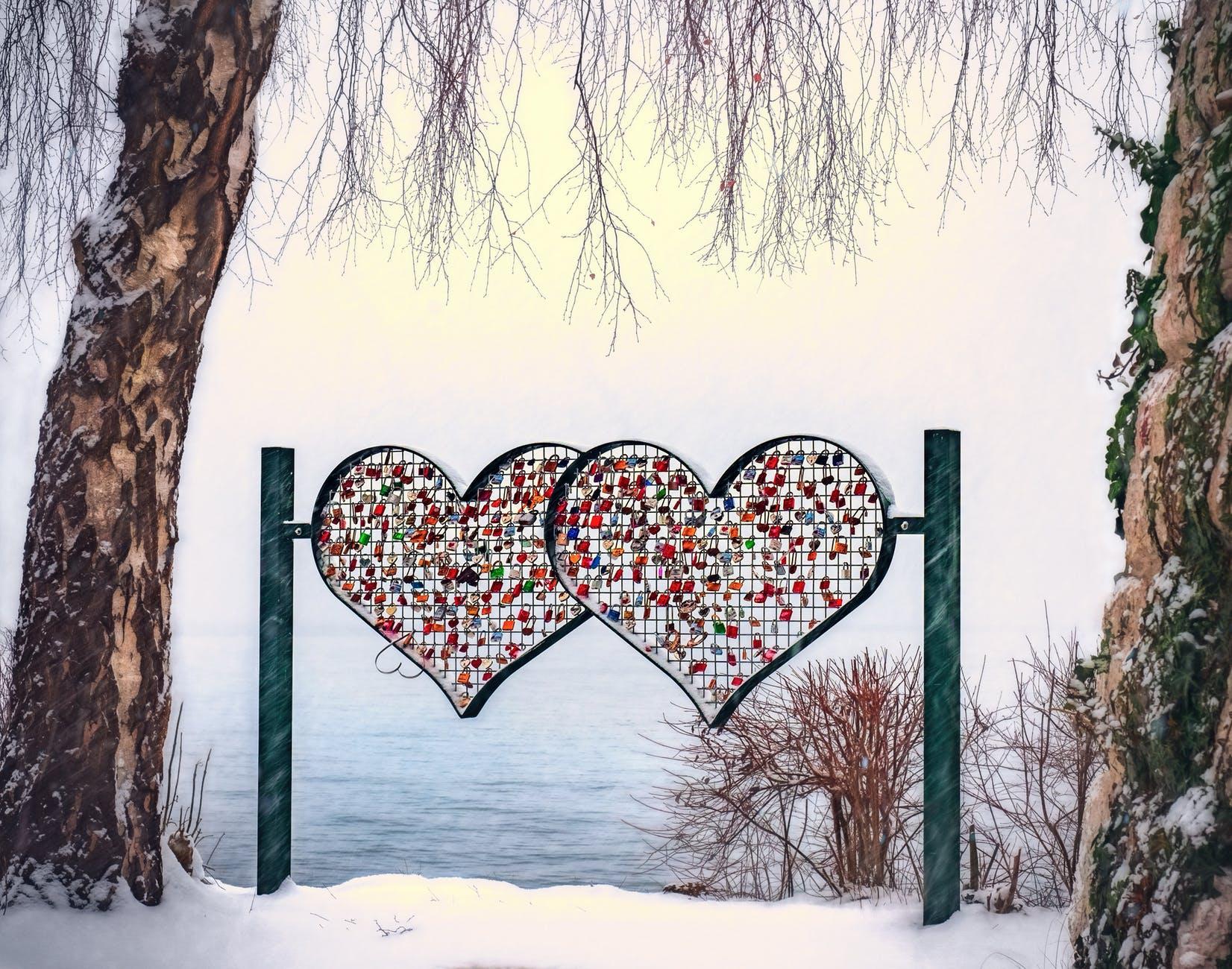 heart shape multicolored stand