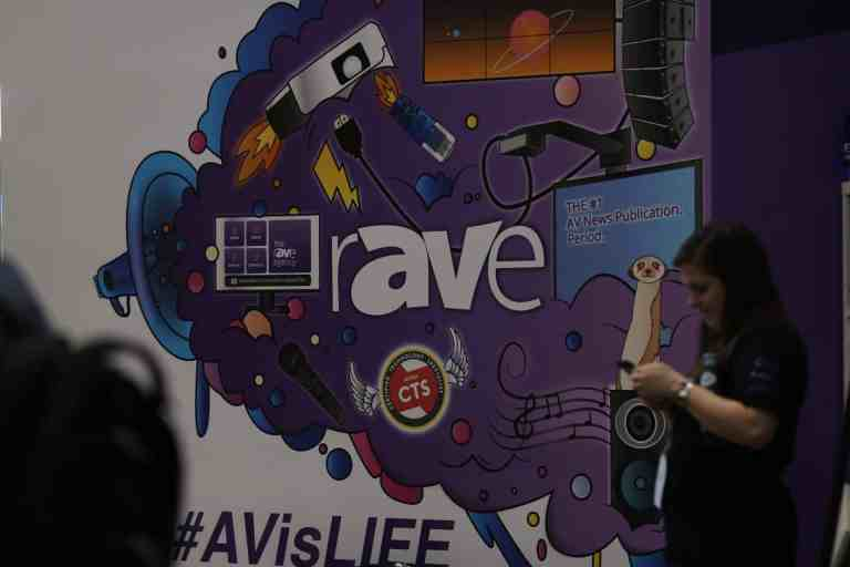 A photo of the rAVe #AVisLIFE mural