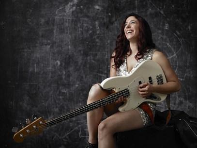 Danielle Nicole courtesy daniellenicole.music.com