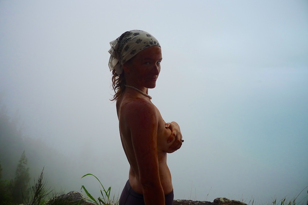 kamilo iki, hiking hawaii, koolau summit trail, nude warrior photo