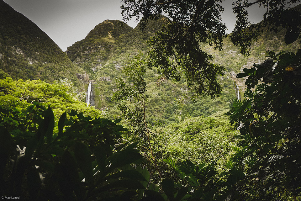 Travel to Molokai, twin waterfalls at the back of Halawa Valley