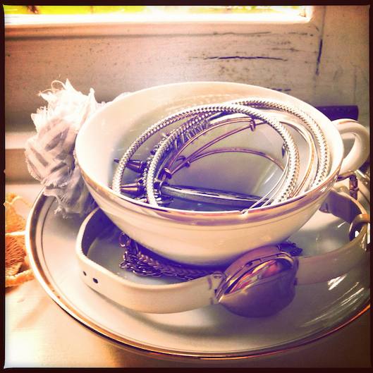 Jan Photo a Day, Instagram, Vintage tea cup jewelry organization