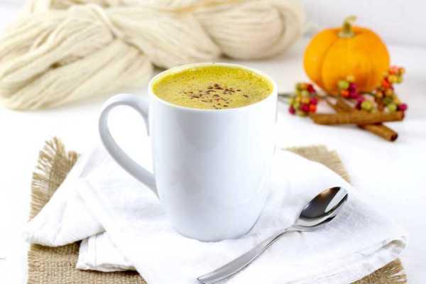 Pumpkin Spice Chai Tea | homemade chai tea recipes | pumpkin spice recipes | how to make chai tea | fall drink recipes | pumpkin recipe ideas | paleo drink recipes | paleo pumpkin recipes | paleo fall recipes | primal drink recipes | primal pumpkin recipes | primal fall recipes | dairy free drink recipes || The Real Food Dietitians