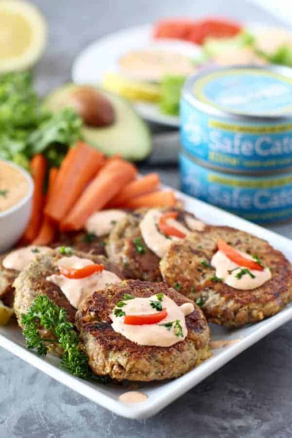 Easy Tuna Cakes with Roasted Red Pepper Mayo | https://therealfoodrds.com/easy-tuna-cakes/