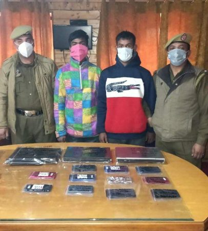 Srinagar police solved theft case, accused arrested, stolen property recovered
