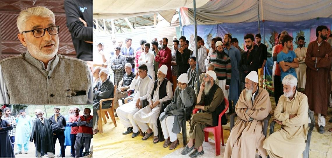 Mohd Munawar Khawaja holds public meeting at Rangpath Handwara