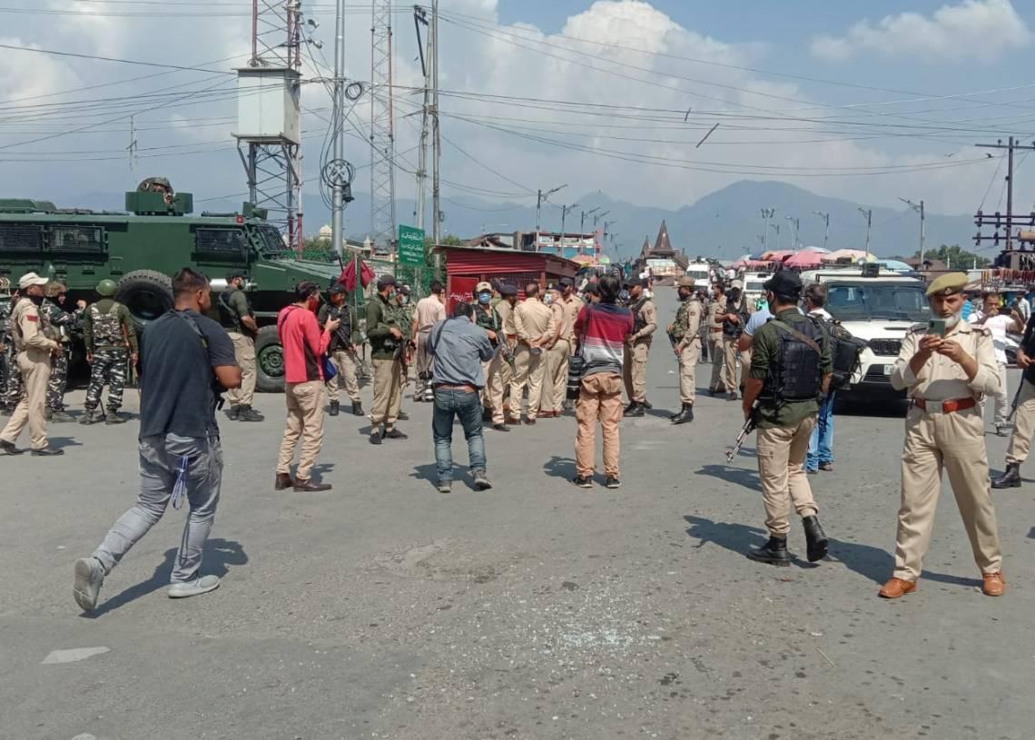 Terrorist hurled a grenade towards security forces, 02 civilians injured in Hari Singh High street near Amira Kadal area Srinagar