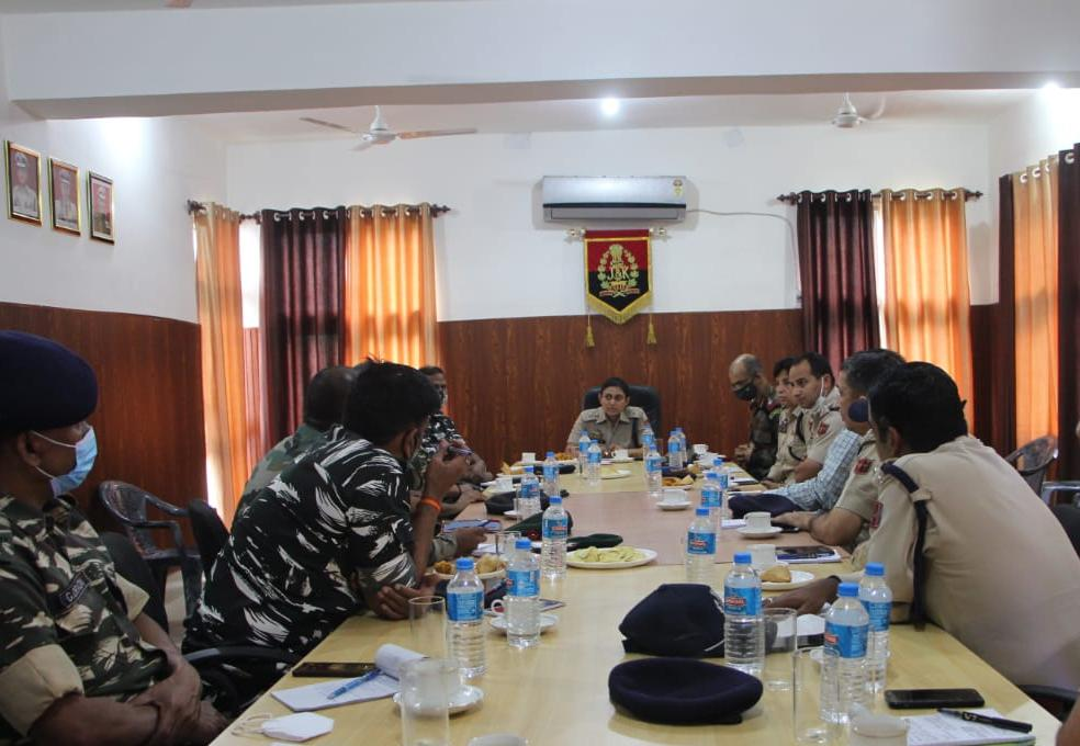 SP Ramban reviews security arrangements for Independence Day