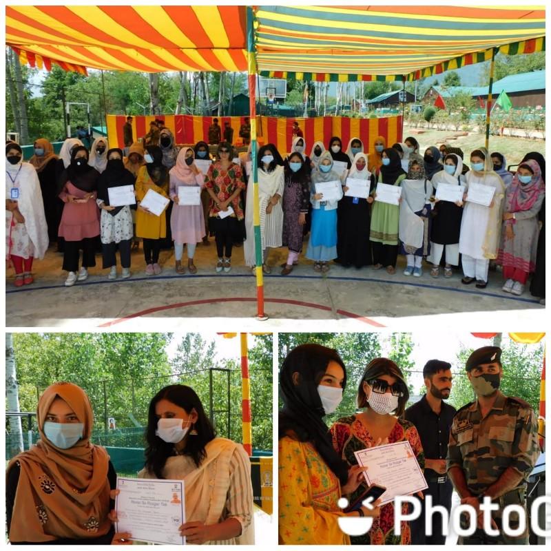 Certificate Distribution Ceremony of Hunar se Rozgar Tak Students at Patahirri