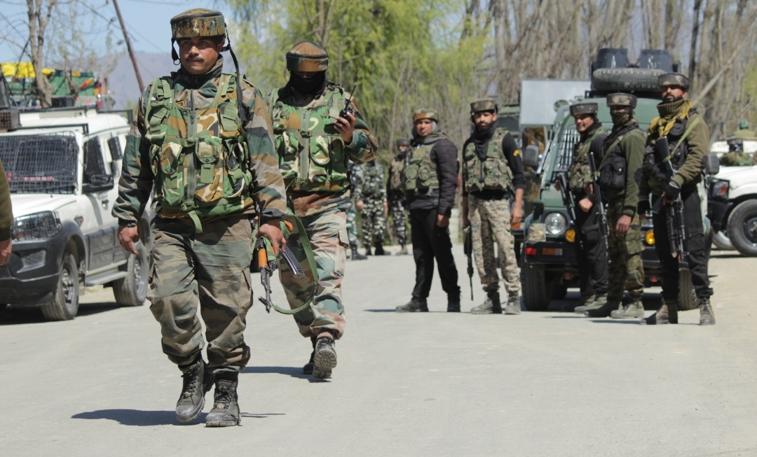 Terrorist attack upon Police in Main Chowk Sopore, No lose of Life or Injury