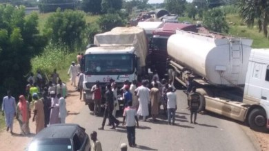 Photo of Tanker drivers block Yola-Jalingo Road over police brutality