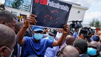 Photo of Sanwo-Olu exposes officers who attacked EndSARS, begs Lagos protesters to stop