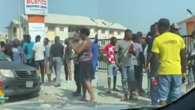 Photo of Lagos: 1 killed as gunmen descend on Ajah, rob bullion van, Blenco supermarket