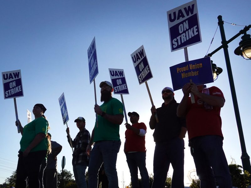 John Deere workers with picket signs