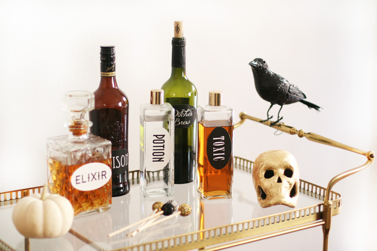 Halloween-bar-cart-with-diff-potion