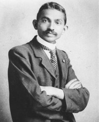 Amazing Historical Photos Pictures Incredible Mindblowing Photograph Old History Crazy Weekly Show Gandhi Attorney Lawyer