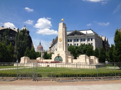 Budapest Hungary Photos Travel Beautiful Pictures Weekly Show Soviet Memorial