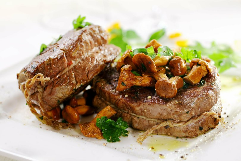 Fillet with Mushroom and Shallot Sauce - TheRecipe.Website